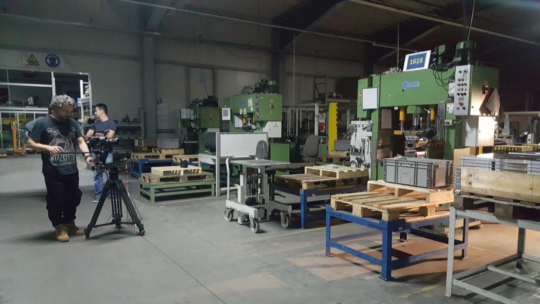 Dreharbeiten in der Teilefertigung